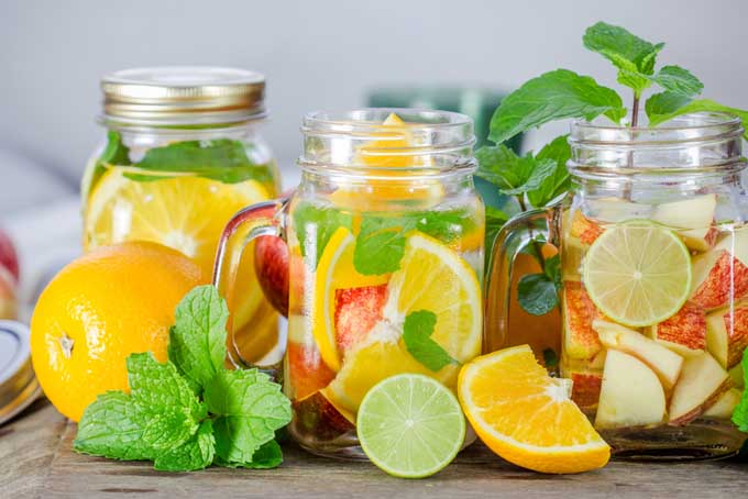 Fruit Infused Water vs Fruit Juice: Which Is Healthier